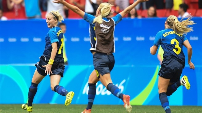Sweden beat favourites, Behringer saves Germany