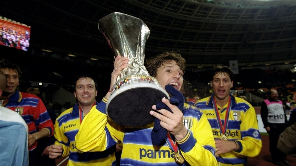 d521bf512 Crespo  My first European title - UEFA Europa League - Video - UEFA.com