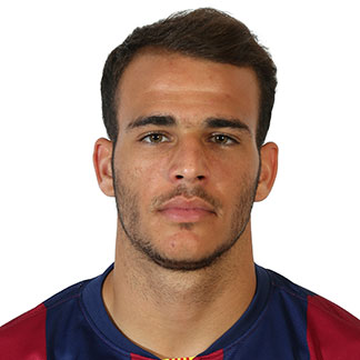 The 22-year old son of father (?) and mother(?), 175 cm tall Sandro Ramirez in 2018 photo