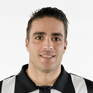 http://img.uefa.com/imgml/TP/players/1/2015/324x324/72443.jpg