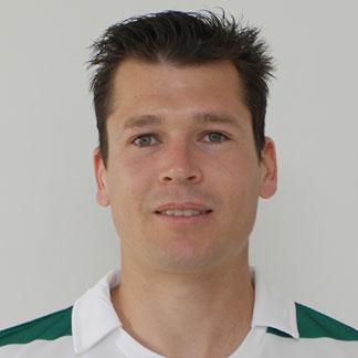 http://img.uefa.com/imgml/TP/players/14/2012/324x324/64771.jpg