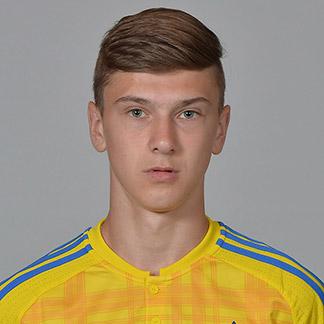 Денис Янаков