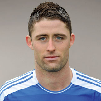 The 32-year old son of father (?) and mother(?), 191 cm tall Gary Cahill in 2018 photo